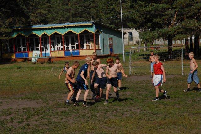 """Cпортивные сборы -  """"лагерь крылатых """", август 2011."""